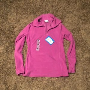 💗SUPER SOFT PINK COLUMBIA PULL OVER.